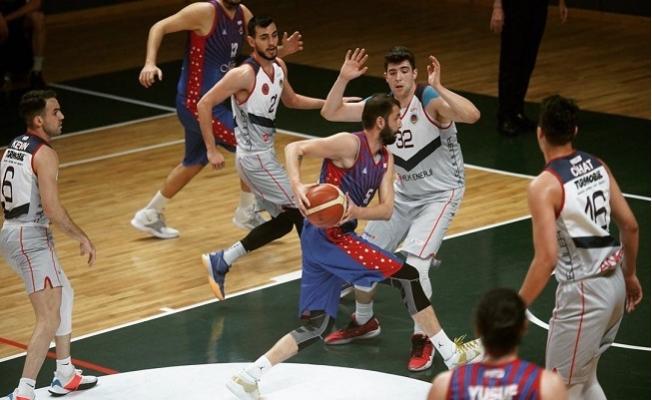 Büyükşehir GSK Erkek Takımı, Basketbol 1. Ligi'ne Yükselerek Mersin'e Döndü.