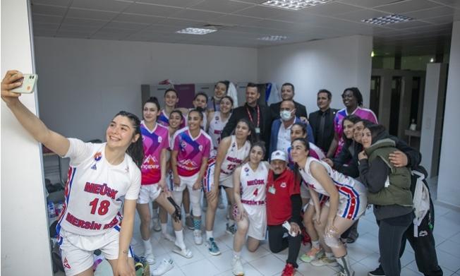 Büyükşehir GSK Kadın Basketbol Takımı, Play-Off'a Bir Adım Daha Yaklaştı.