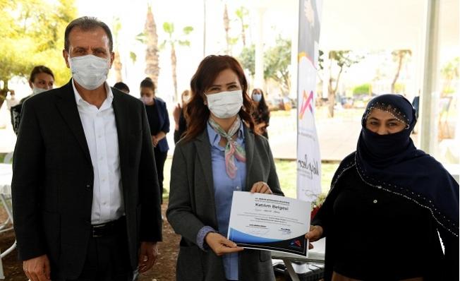 'Evimiz Atölye Projesi'nde Katılımcılar Sertifikalarını Aldı.