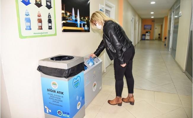 """""""Toroslar Belediyesi'nin Hizmet Binalarında Çöp Kutuları Artık Yok"""""""