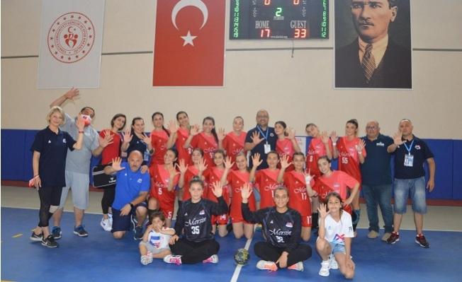 Büyükşehir Kadın Hentbol Takımı Şampiyonluğu Garantiledi.