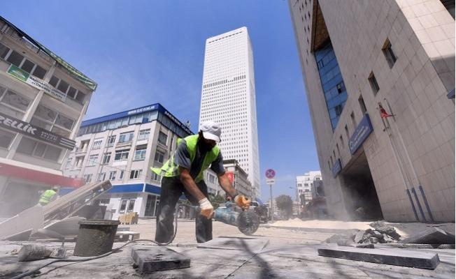 Tam Kapanmada Büyükşehir Yol Bakım Çalışmalarını Hızlandırdı.