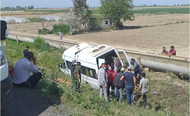 Tarım İşçilerini Taşıyan Minibüs Yoldan Çıktı. 7 Yaralı Var