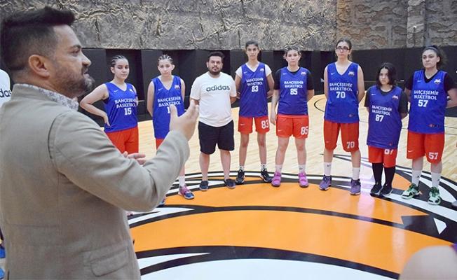 Çukurova Basketbol Yeni Yıldızlara Kucak Açıyor