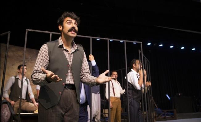 """Şehir Tiyatrosu """"Aslolan Hayattır"""" Oyunu ile Nazım Hikmet'i Andı"""