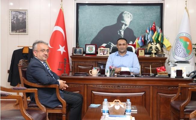 Başkan Yılmaz Türkiye Diyanet Vakfına Bağışta Bulundu