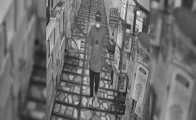 Tarsus'ta Tahra İle Kapıyı Açan Hırsız Kasayı Boşalttı.