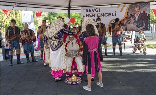 Büyükşehir 30 Ağustos'u Özel Çocuklar İle Kutladı.