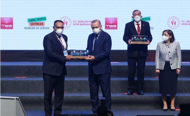 Cumhurbaşkanı Erdoğan'dan Toroslar Belediyesine Ödül