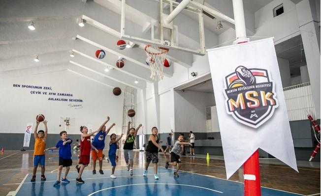 Mersin Büyükşehir Basketbol Altyapı Seçmelerini Yaptı.