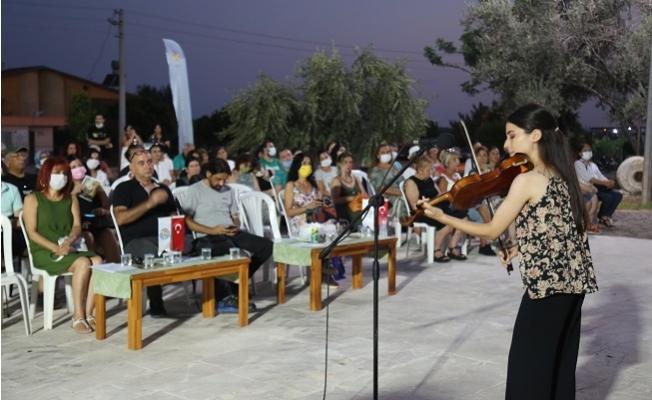 Mezitli Taş Mektepte Gün Batımı Konserleri
