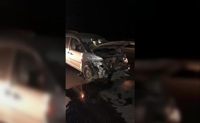 Otobanda Meydana Gelen Kazada Bir Kişi Yaralandı.