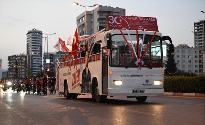 Yenişehir Belediyesinden Zafer Bayramı Korteji