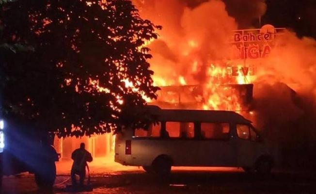 Erdemli 'deki Orman Yangınında 10 Dönümlük ve 2 Bahçe Zarar Gördü
