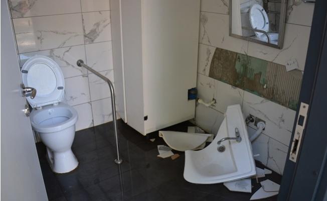 Mersin'de Aynı Günde 7 Noktadaki Kent Tuvaletlerine Saldırı Yapıldı