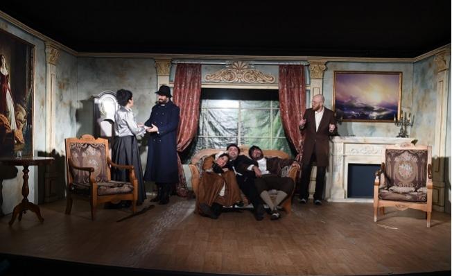 """Tarsus Şehir Tiyatrosu  """"Çehov Vodvil"""" Oyunu ile 25. Kez İzleyiciyle Buluştu."""