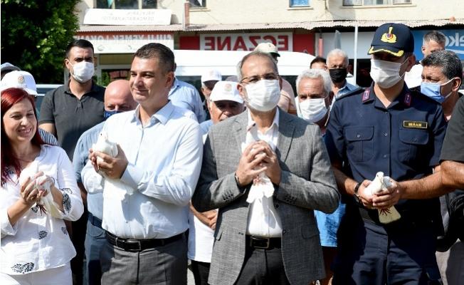 Tarsus'ta Barışın Simgesi Beyaz Güvercinler Gökyüzüne Salındı.