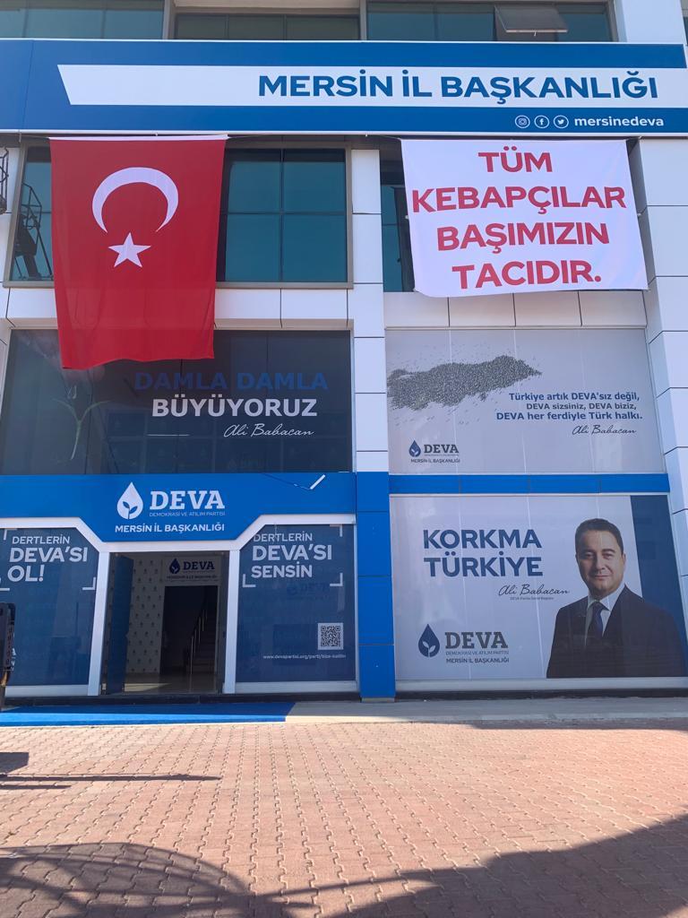 Başkan Cenkcimenoğlu'n dan Kebapçılara Destek Pankartı