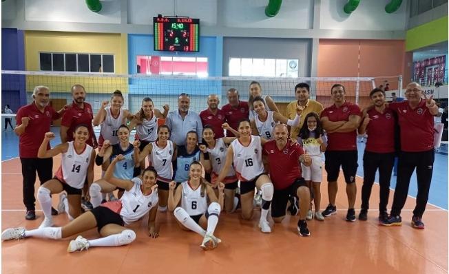 GSK Kadın Voleybol Takımı, Ligin İlk Haftasında İlk Galibiyetini Aldı.