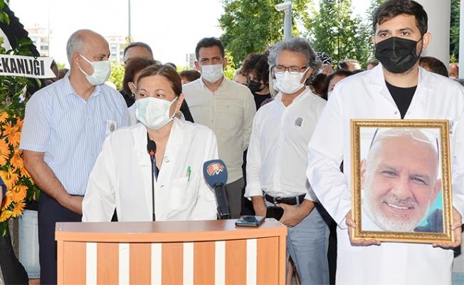 Mersin'de Prof.Dr Abdullah Canataroğlu Covid-19'dan Hayatını Kaybetti