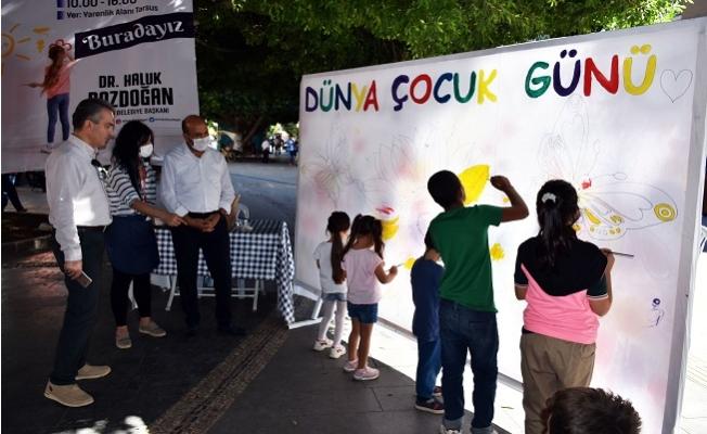 Tarsus Belediyesi Dünya Çocuklar Gününde Minikleri Unutmadı.
