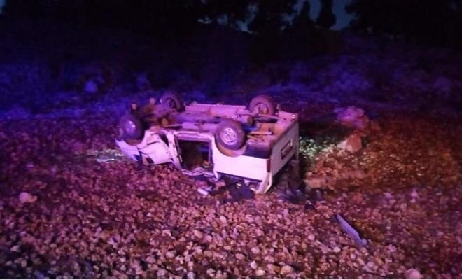 Tarsus'ta Kontrolden Çıkan Araç Takla Attı 2 Kişi Yaralandı