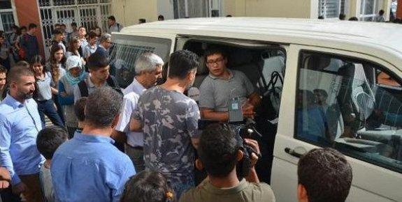 5 Kilometrelik Yolu Annesinin Yardımı İle Giden Mustafa'nın Sorunu Çözüldü.