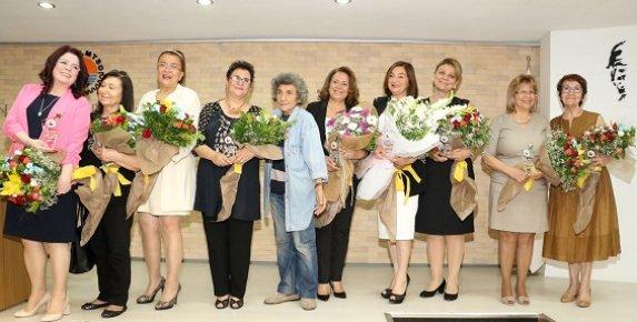 60 Yaş Üstü Başarılı İş Kadınlarına Plaket