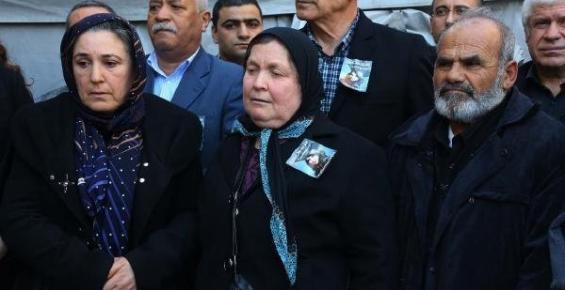 Acılı Anneler, Özgecan'ın Annesinin De Acısını Paylaştı
