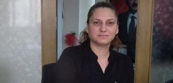 Adana'da CHP Kadın Kolları Yöneticisi Facebook Paylaşımından Ötürü Tutuklandı