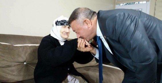 AK Parti Mersin Milletvekili Hacı Özkan Annesini Kaybetti.