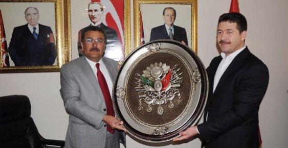 "AK Parti ve MHP'li Başkanlardan ""Tek Yumruğuz"" Mesajı"