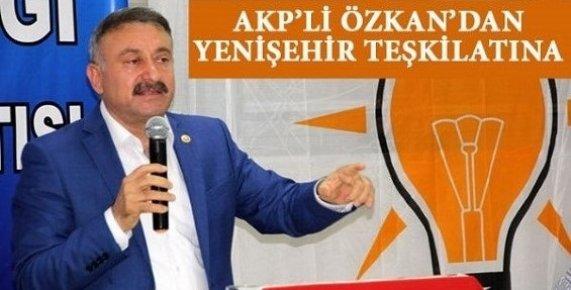 """""""AK Parti'de Yöneticilik Sadece Kağıt Üzerinde Olmaz"""""""