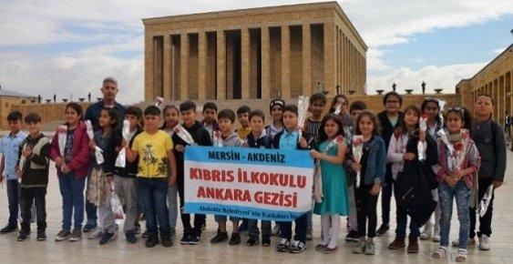 Akdeniz Belediyesi, Öğrencileri Anıtkabir'e Götürdü