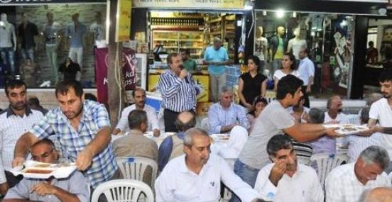 Akdeniz Belediyesi'nden İftar Sofrası