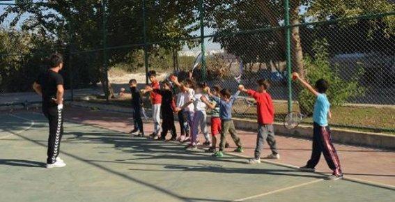 Akdeniz İlçesinde Ücretsiz Spor Kurslarına Büyük İlgi