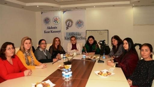 Akdeniz Kent Konseyi Kadın Meclisi'nden Partilere Çağrı