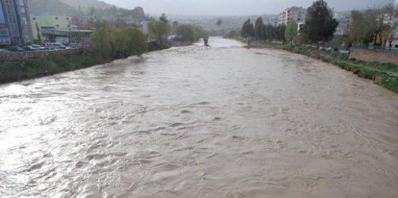 Aşırı Yağışlar Mersinlileri Korkuttu
