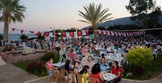 Aydıncık'ta 2.500 Kişiye İftar Verildi