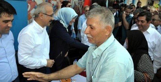 Bakan Elvan, Tarsus'ta Bayramlaştı