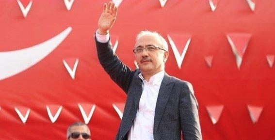 Bakan Elvan, Vatandaşların Kurban Bayramı'nı Kutladı.