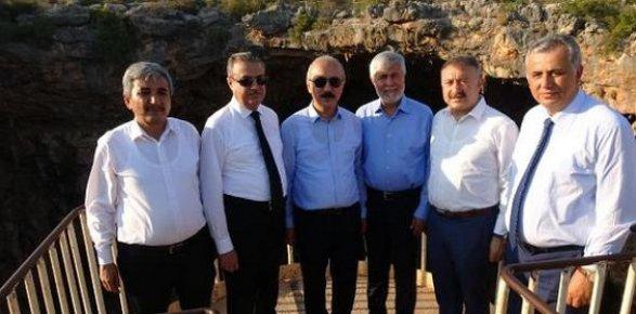 Bakan Elvan'dan Cennet Cehennem'e 'Turistik Destek'