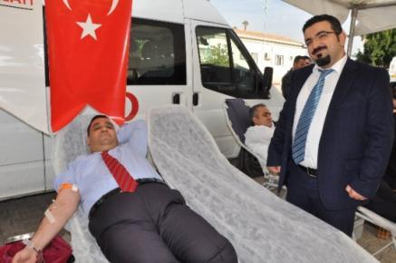 Başkan Can Kızılay'a Kan Bağışladı