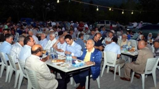 Başkan Kocamaz Gülnar'da Anma Törenine Katıldı