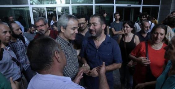 Başkan  Kocamaz'a Hakaret Ettiği İddia Edilen Doçent, Beraat Etti