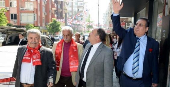 Başkan Özcan Akdeniz'de Vatandaşla Buluştu