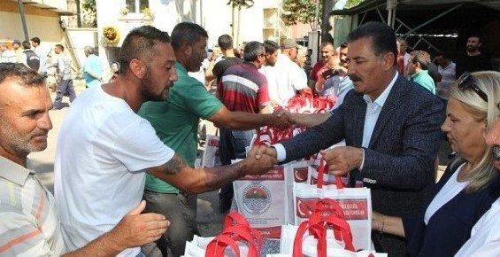 Başkan Tuna, Huzurevi Sakinleri ve Personeliyle Bayramlaştı