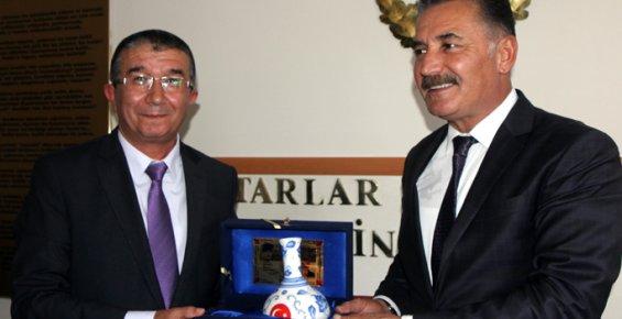 Başkan Tuna'dan, Tüm Mersin Muhtarlar Derneği'ne Ziyaret