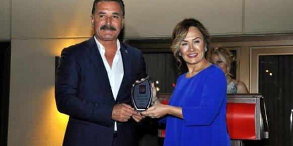 Başkan Tuna'ya 'Sosyal Sorumluluk' Ödülü