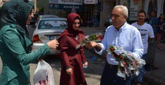 Mustafa Baysan Anneler Gününü Kutladı